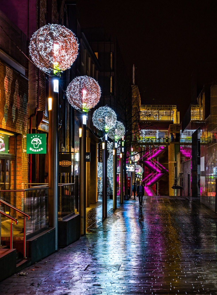 Late night Liverpool by inthecloud5