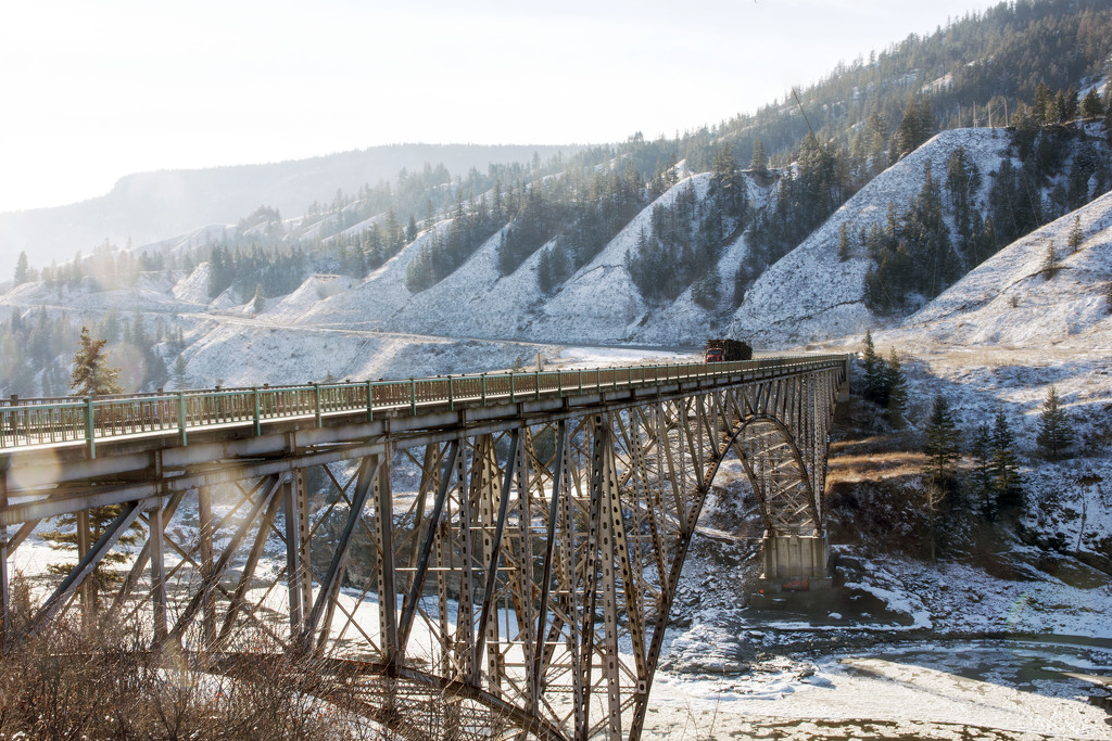 Fraser River Crossing by farmreporter