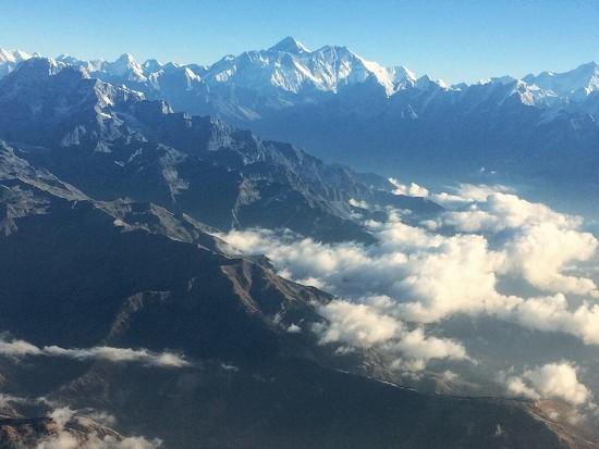Mt Everest by peterdegraaff