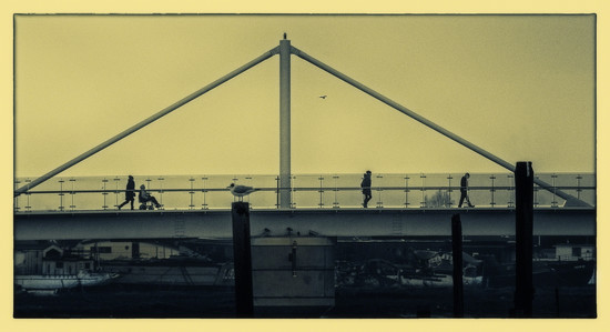 Footbridge over Shoreham Harbour by ivan