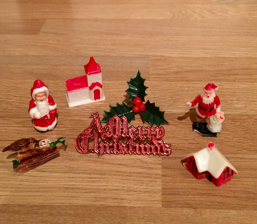 Christmas Cake Decorations by gillian1912