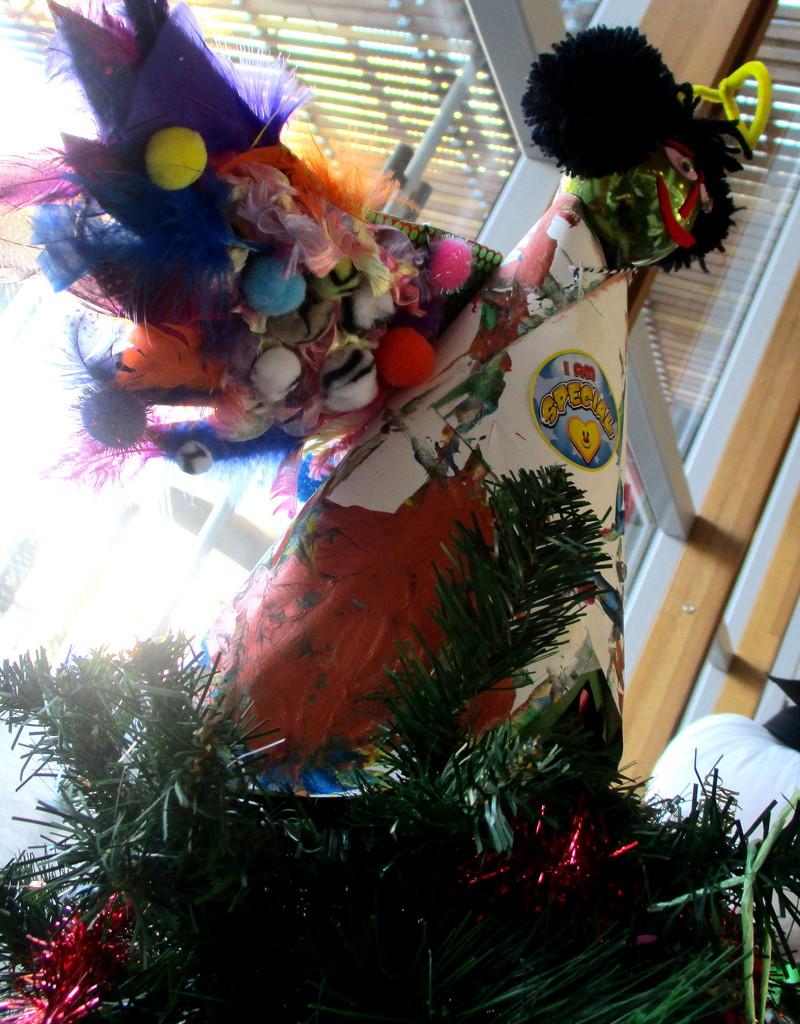 Amazing Angel atop a Christmas tree at the Sunshine Coast  hospital by 777margo