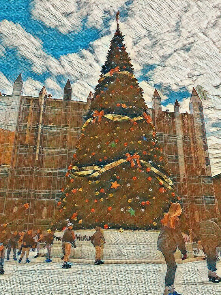 Christmas Tree in the Square by not_left_handed