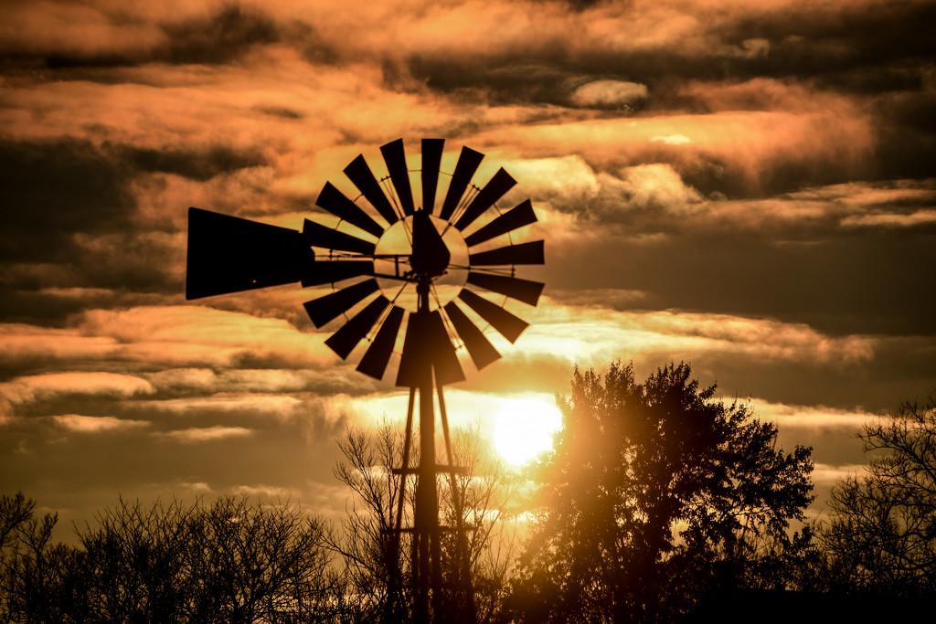 Windmill at Sunset by kareenking