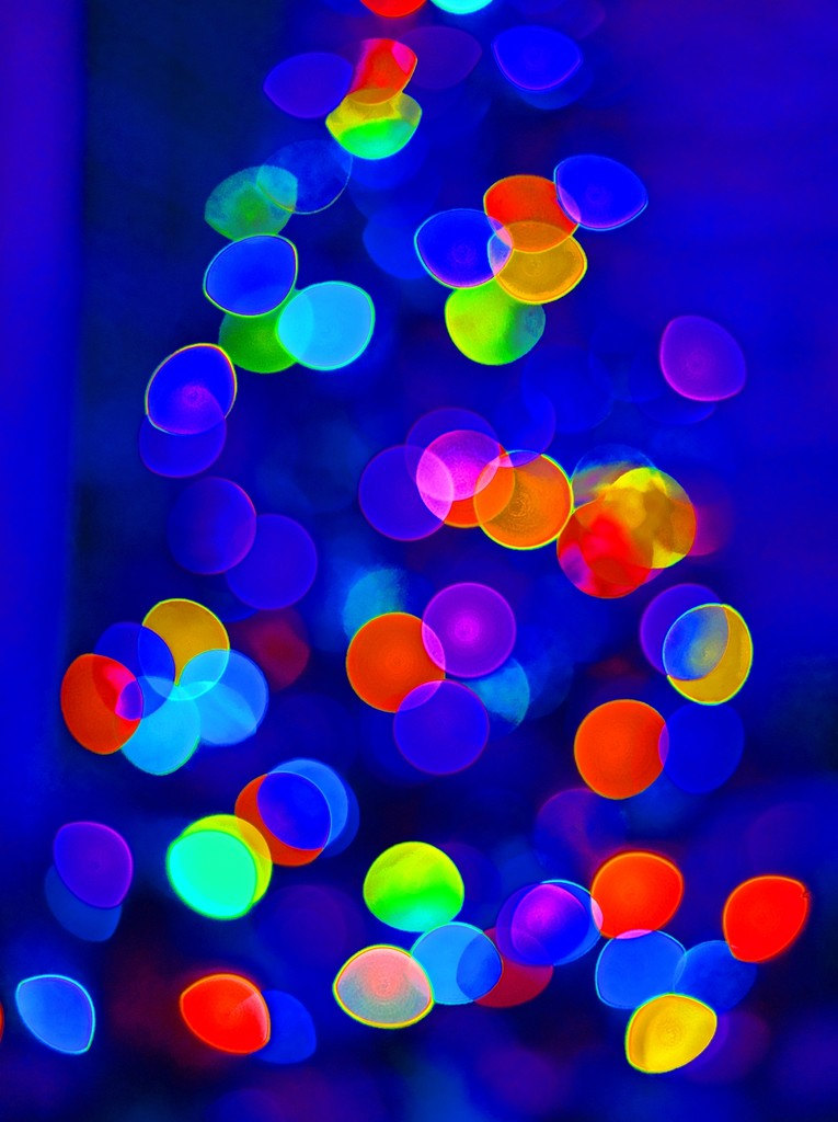 Christmas Tree Abstract by soboy5