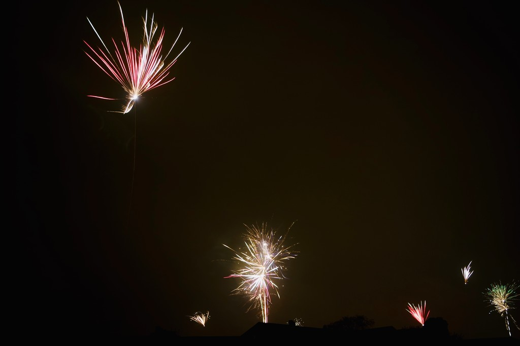Fireworks II by toinette