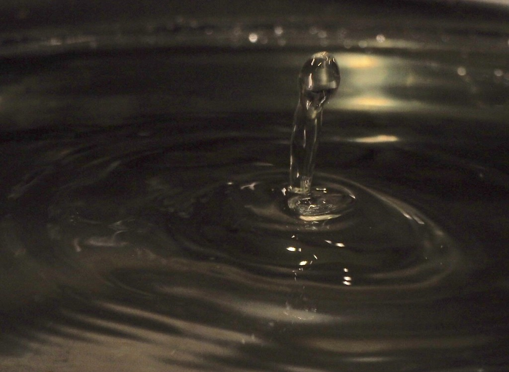 Waterdrop by jacqbb