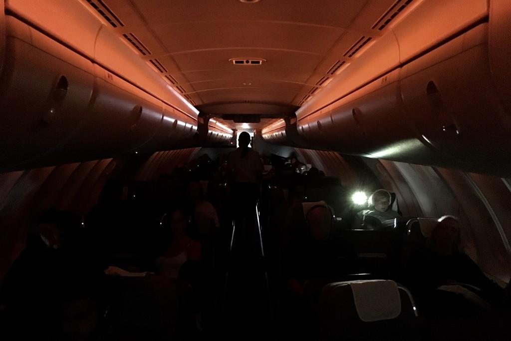 Night flight  by vincent24