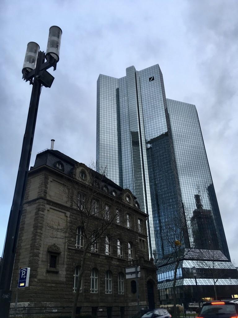Back to Frankfurt  by vincent24