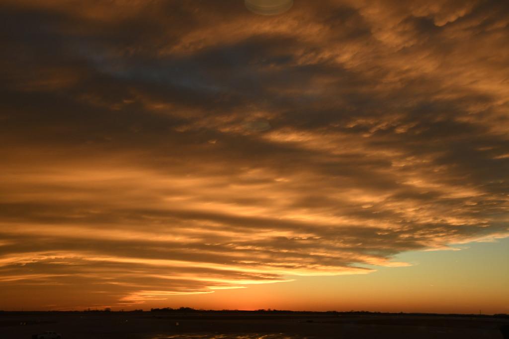 Kansas City International Airport Sunset by kareenking