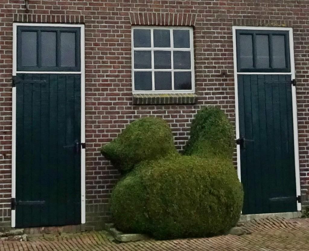 green animal by gijsje