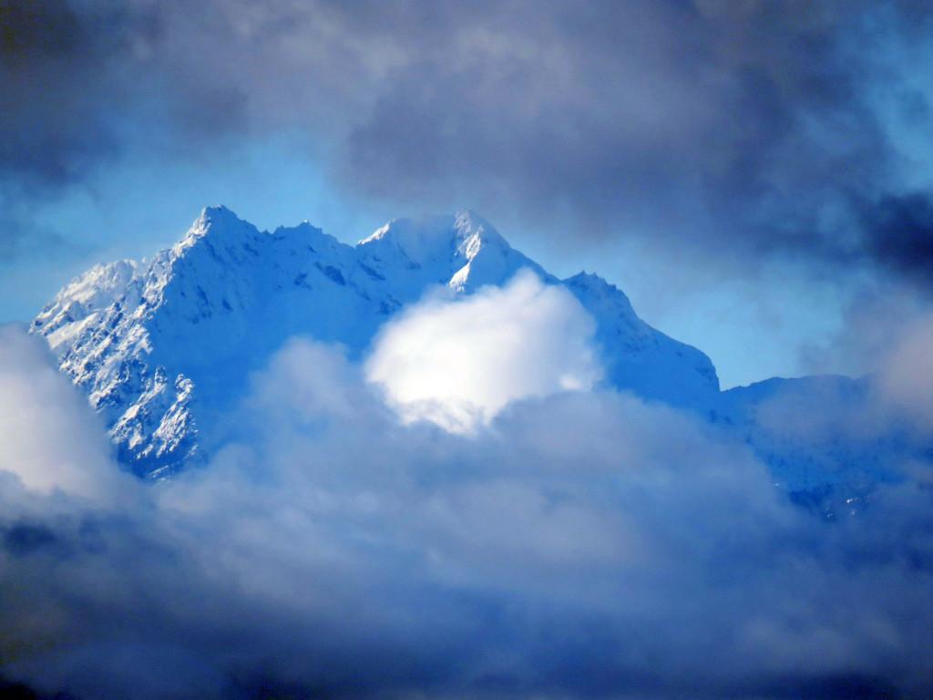 Olympic Mountain Peak by seattlite