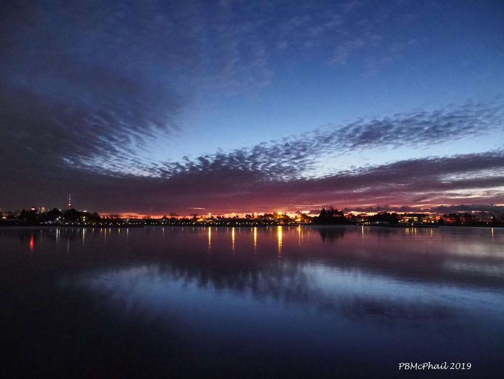 Pre Dawn Lights 2 by selkie