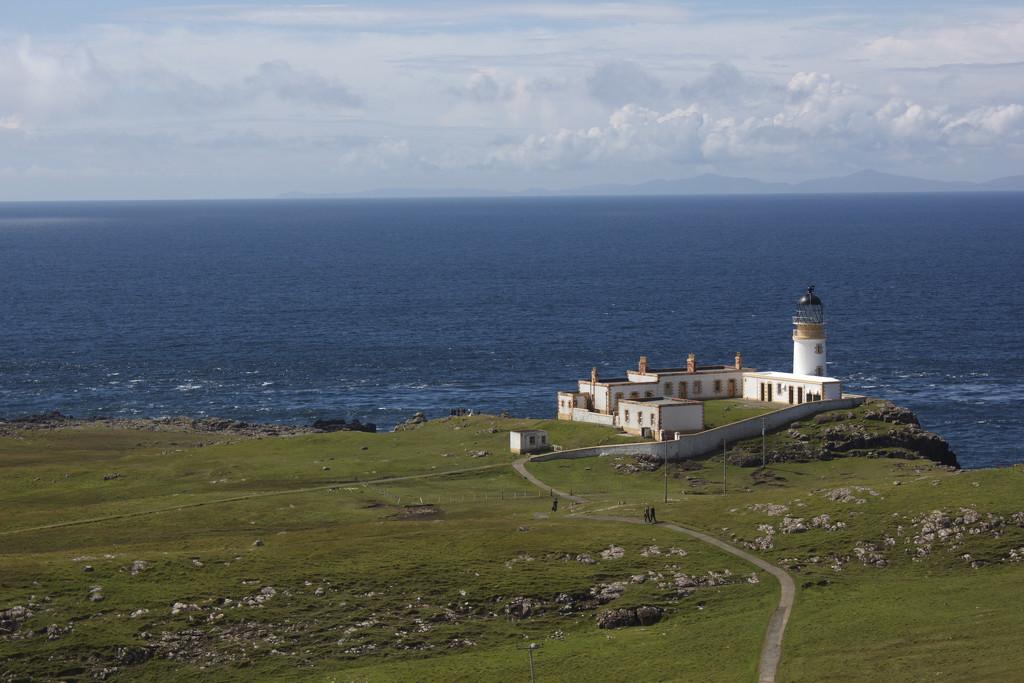 Light house, Isle of skye by sugarmuser