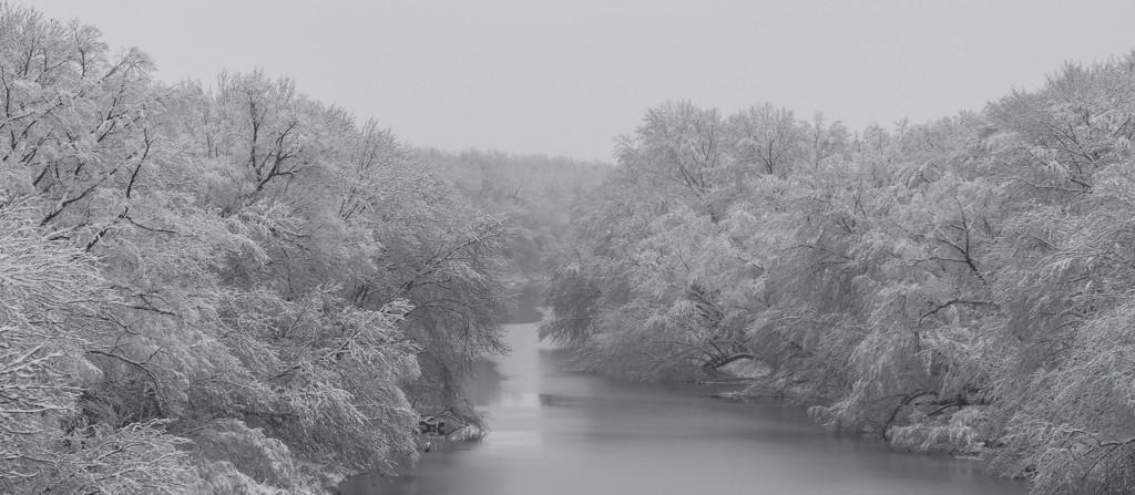 Snowfall over Dragoon Creek by kareenking
