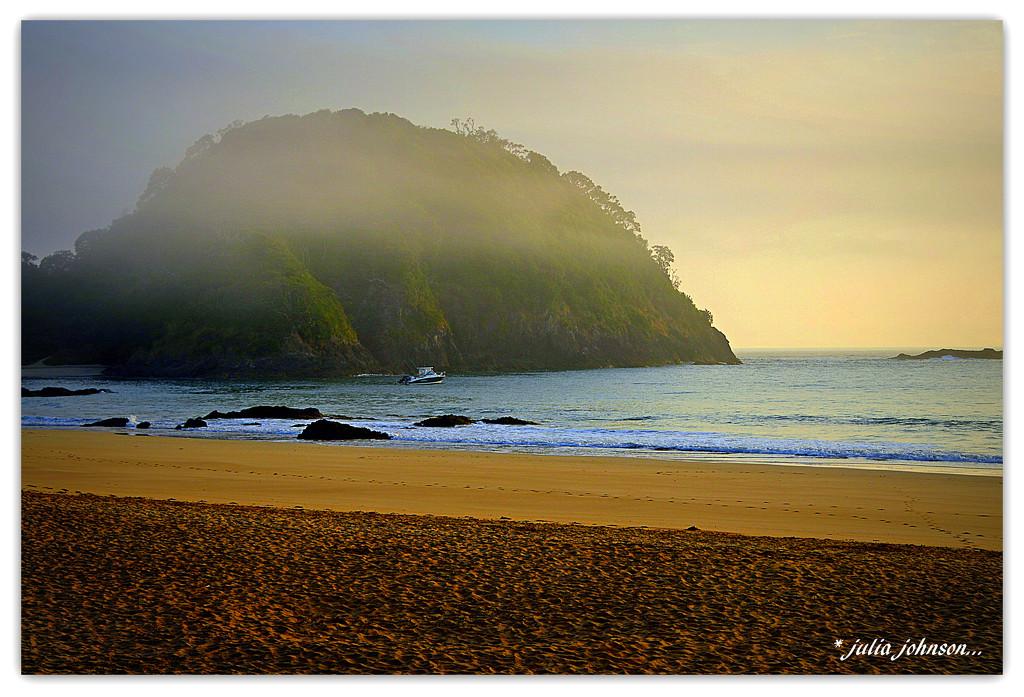 Misty sunrise by julzmaioro