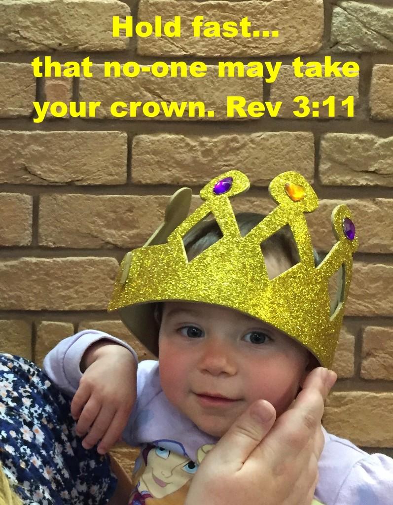 Crown by daffodill