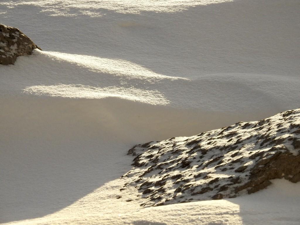 rocks & snow by amyk