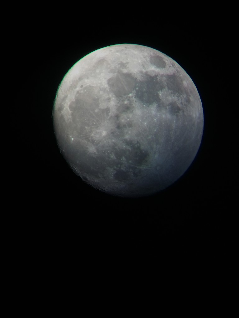 Another phone camera + scope photo by ilovelenses