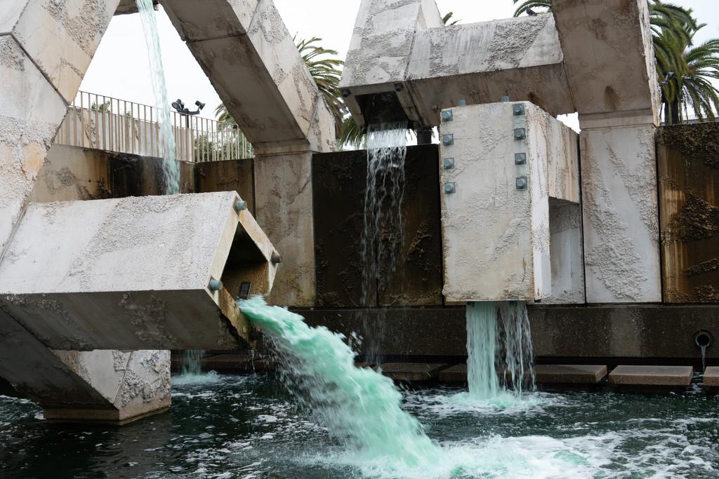 Fountain by olivetreeann