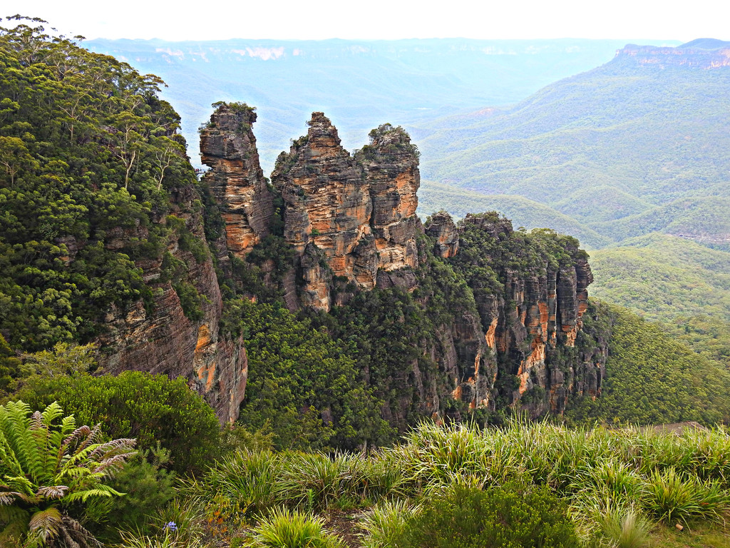 Into The Blue Mountains by ddw