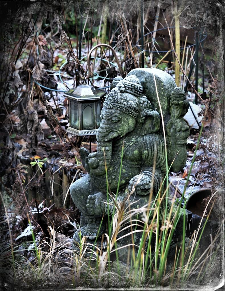 Cold feet Ganesha (filler) by madeinnl