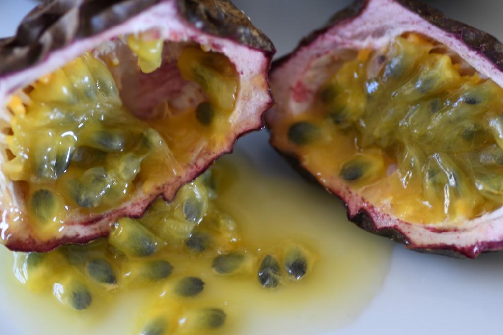 Passionfruit by kgolab