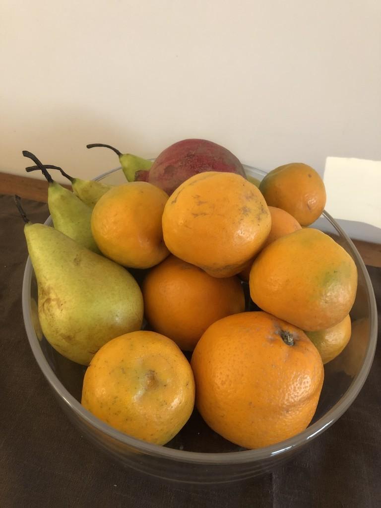 Bowl of fruit by veengupta