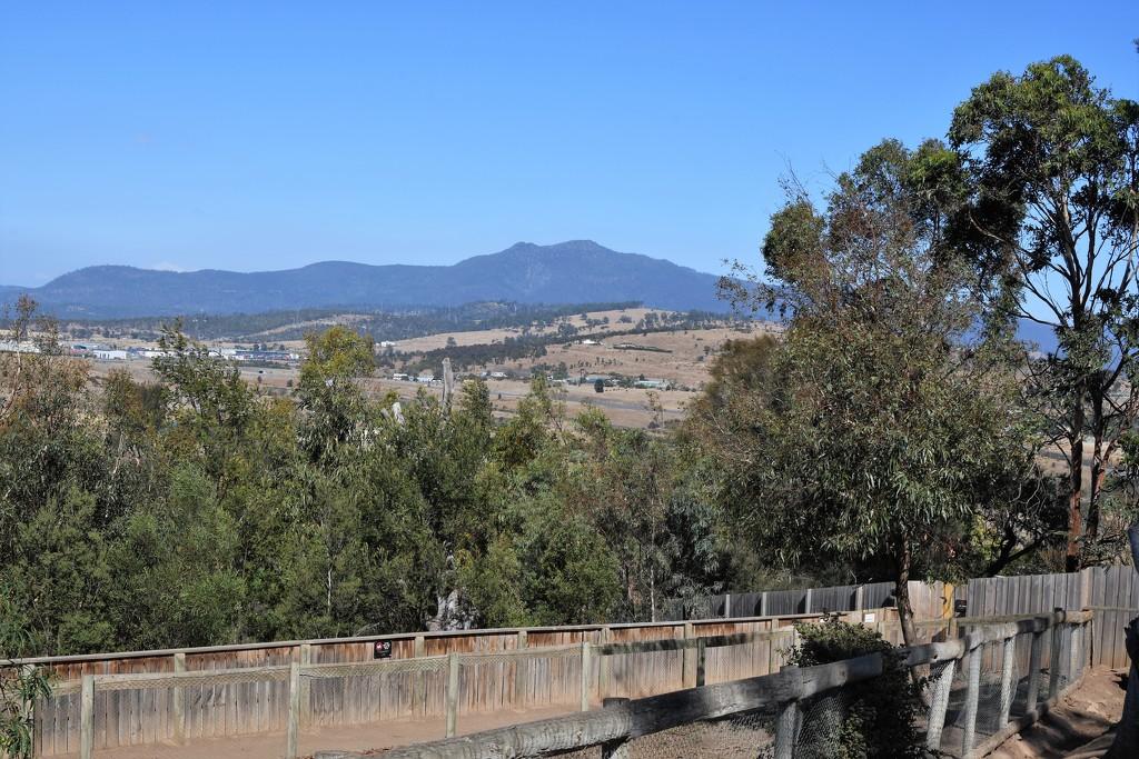 The Mountain Range by kgolab