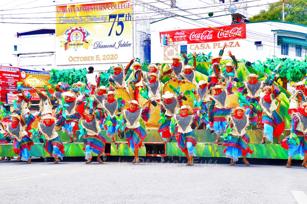 Fiesta Pilipinas: Kasadyahan Regional Festival Grand Champion - Hubon Guimarasnon by iamdencio