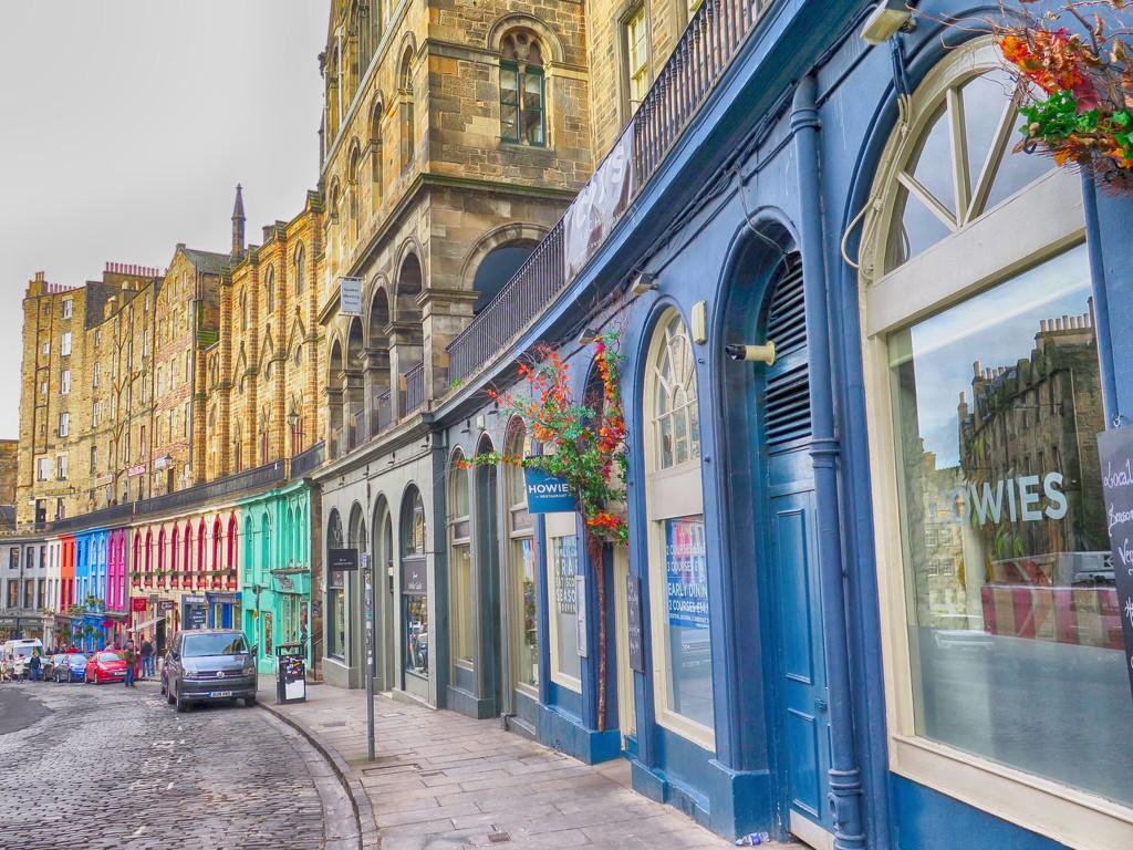Victoria Street, Edinburgh by jamibann