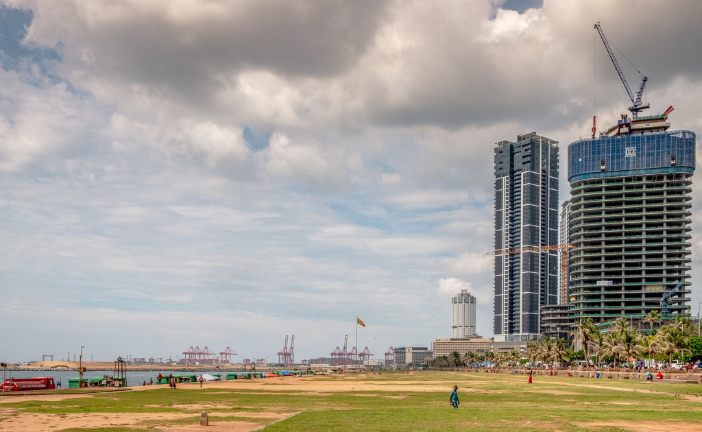 Galle Face Green by golftragic