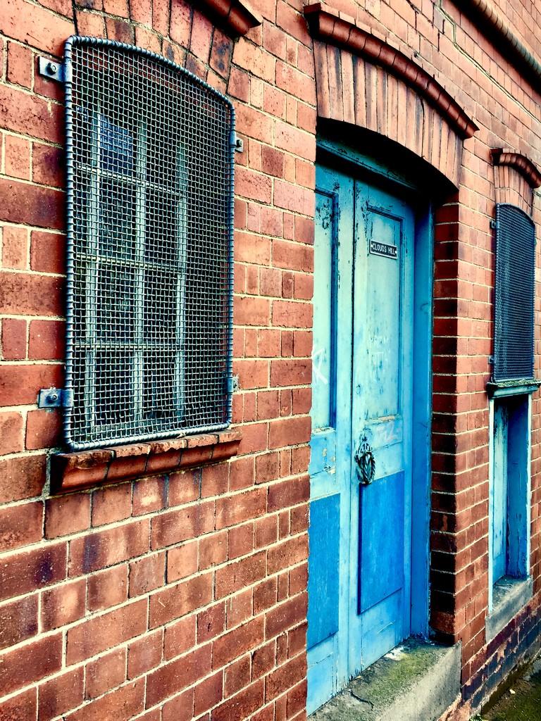 Blue door by lilaclisa