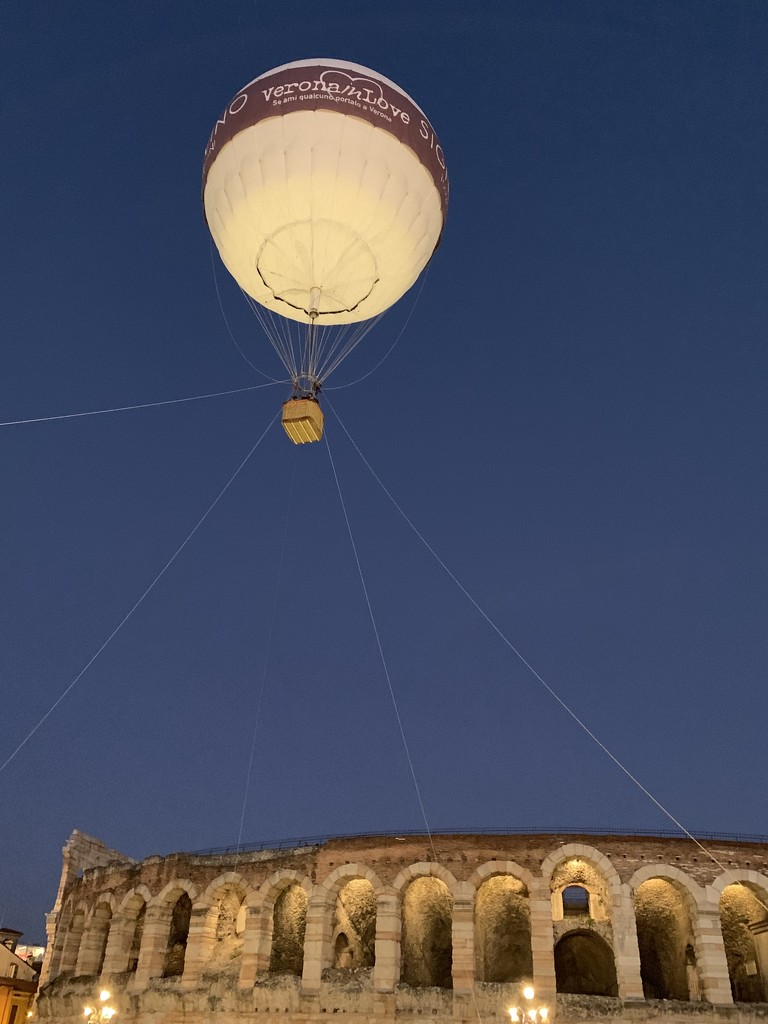 floating above the city  by caterina