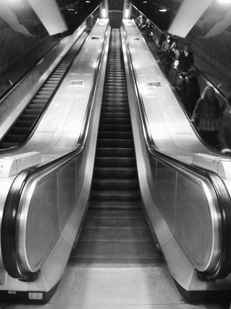 Waterloo Escalator by 30pics4jackiesdiamond