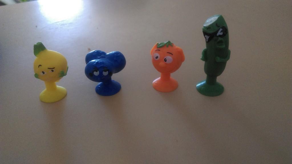 Tiny Sticky Things by mozette