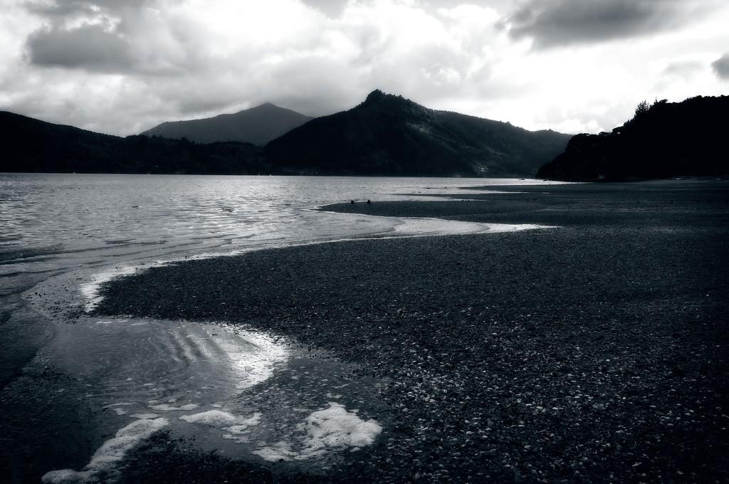 Beach lines  by kiwinanna