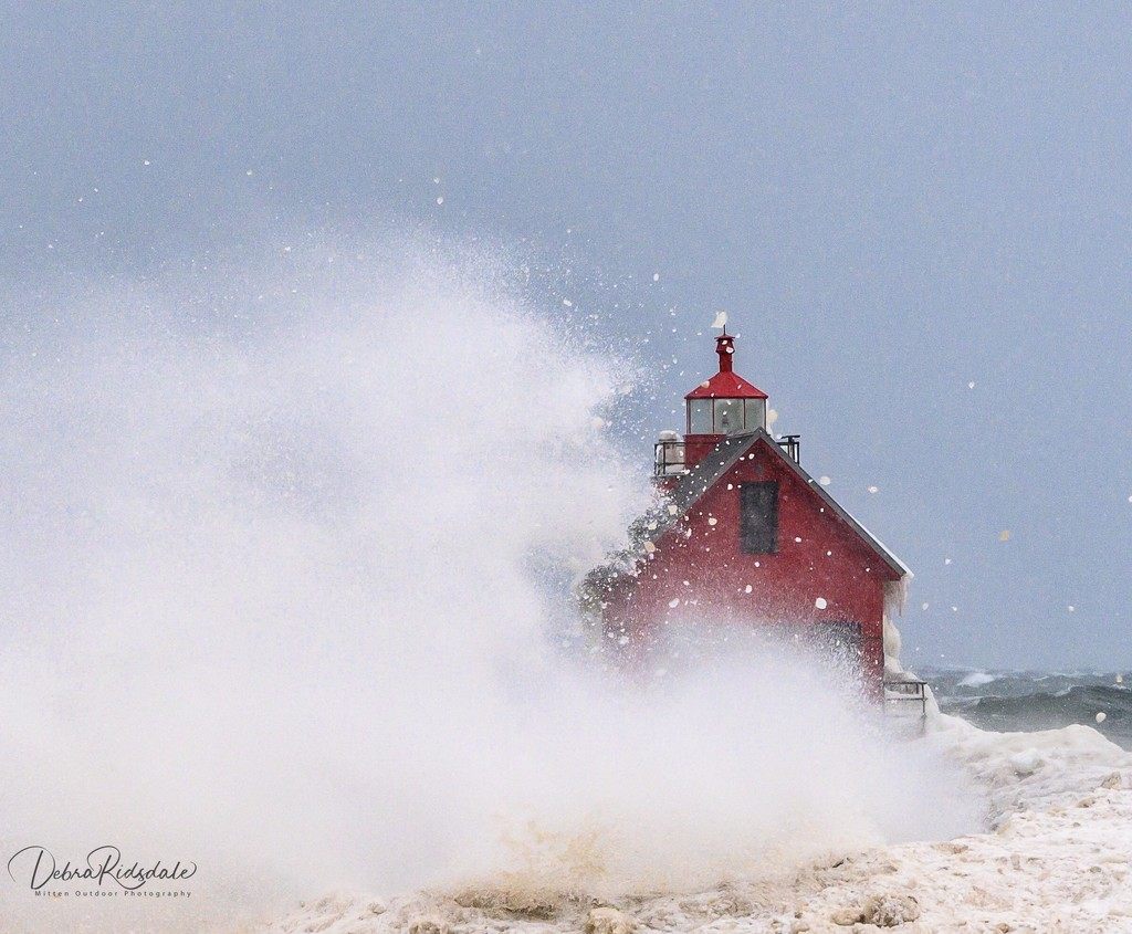 Grand Haven Lighthouse  by dridsdale