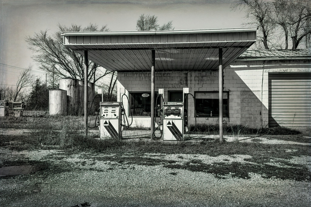Out of Gas by samae