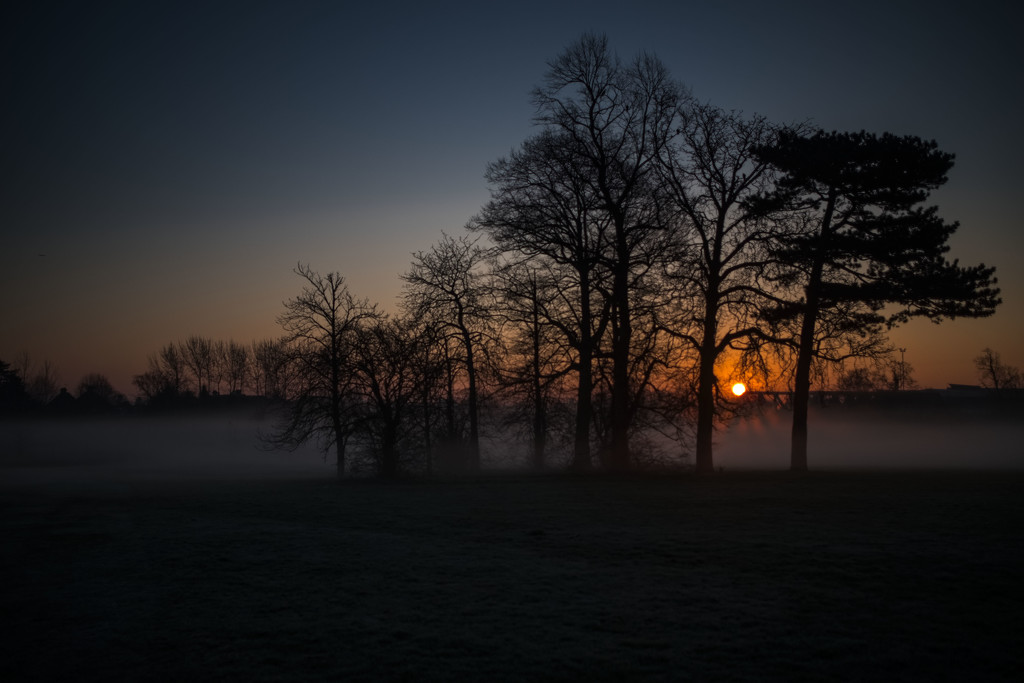 Sunrise over Morden Park by rumpelstiltskin
