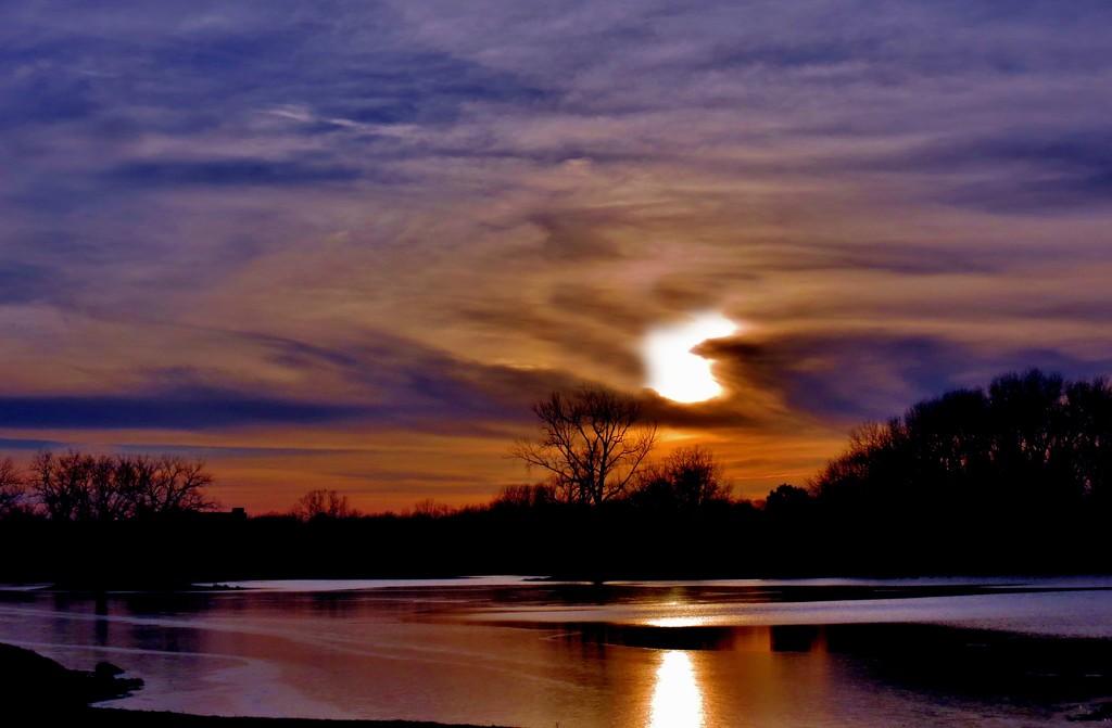 Winter Sunset  by lynnz