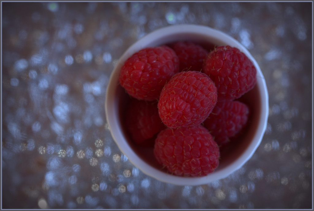 Summer fruit by dide