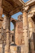 10th Mar 2019 - Qutub Minar: ruins 3