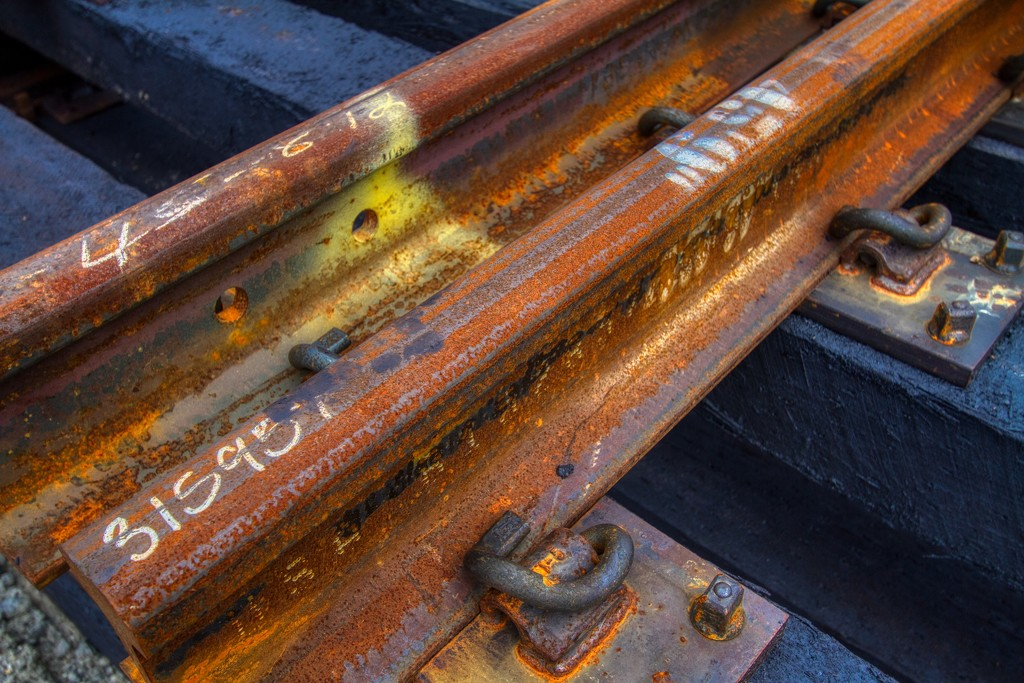 Rusted Rails by kvphoto