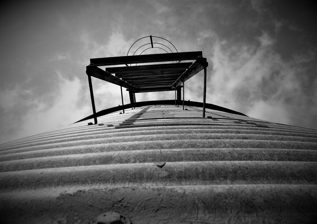Silo-skyward by ajisaac