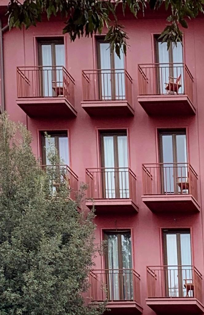 Purple facade? by caterina