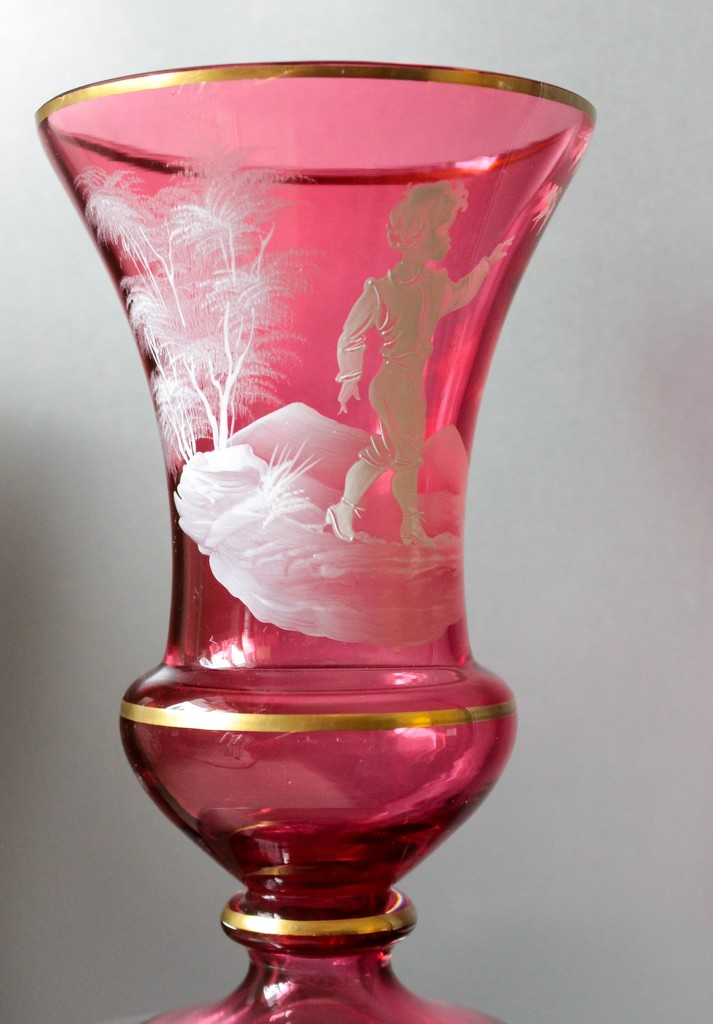 Pink vase by mittens