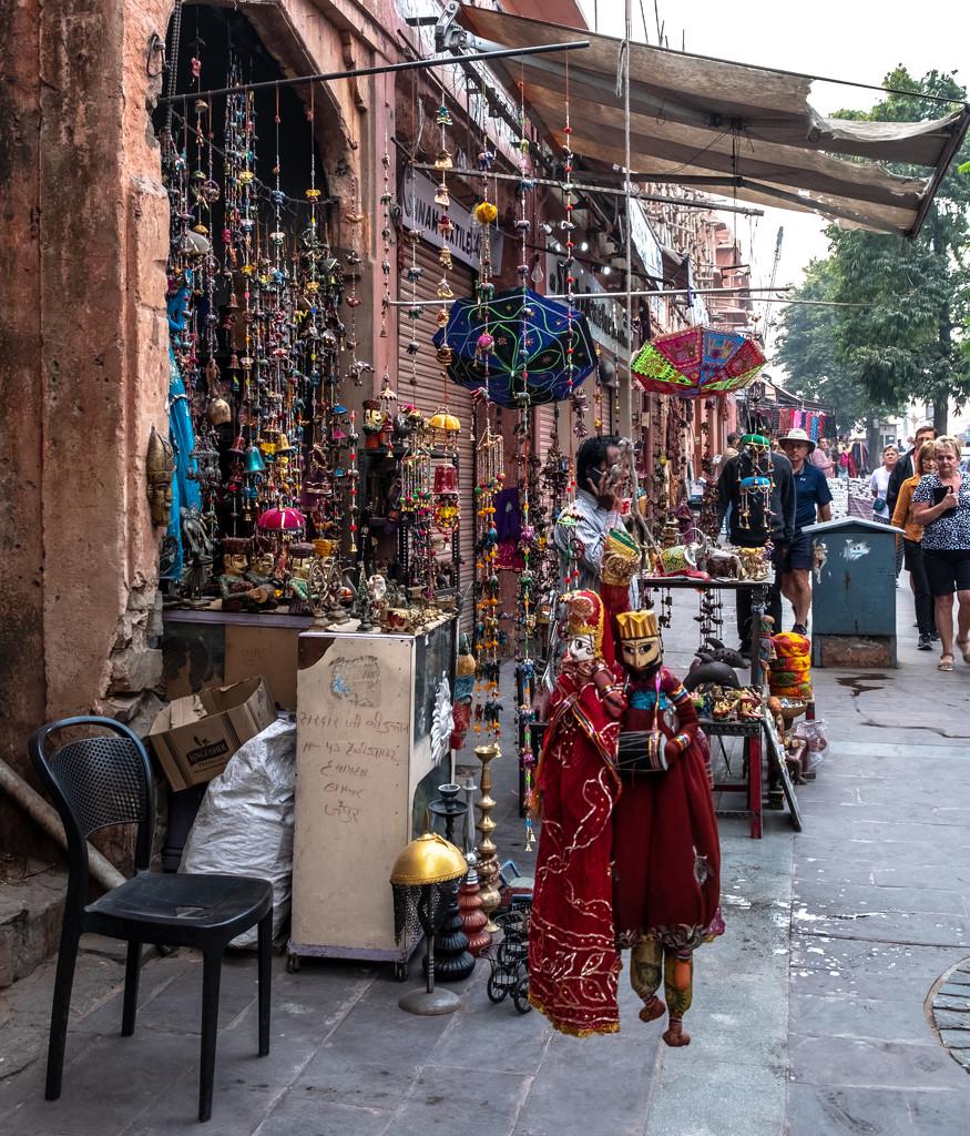Jaipur: Spot the phone by golftragic