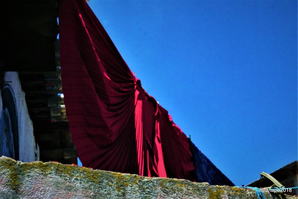 Red Skirt by granagringa