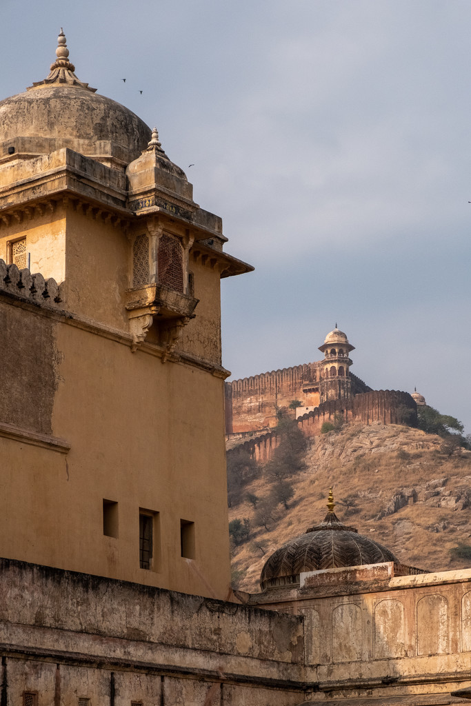 Jaipur: Amber Fort: looking uphill  by golftragic